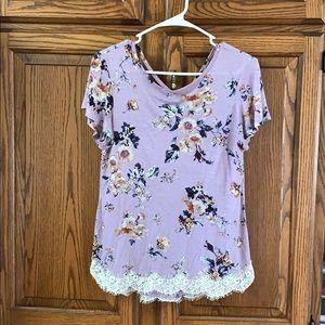 Women/juniors floral T-shirt.